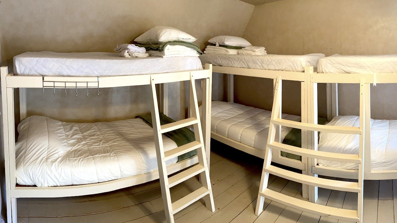 Men's Bunkhouse Beds Far Corner