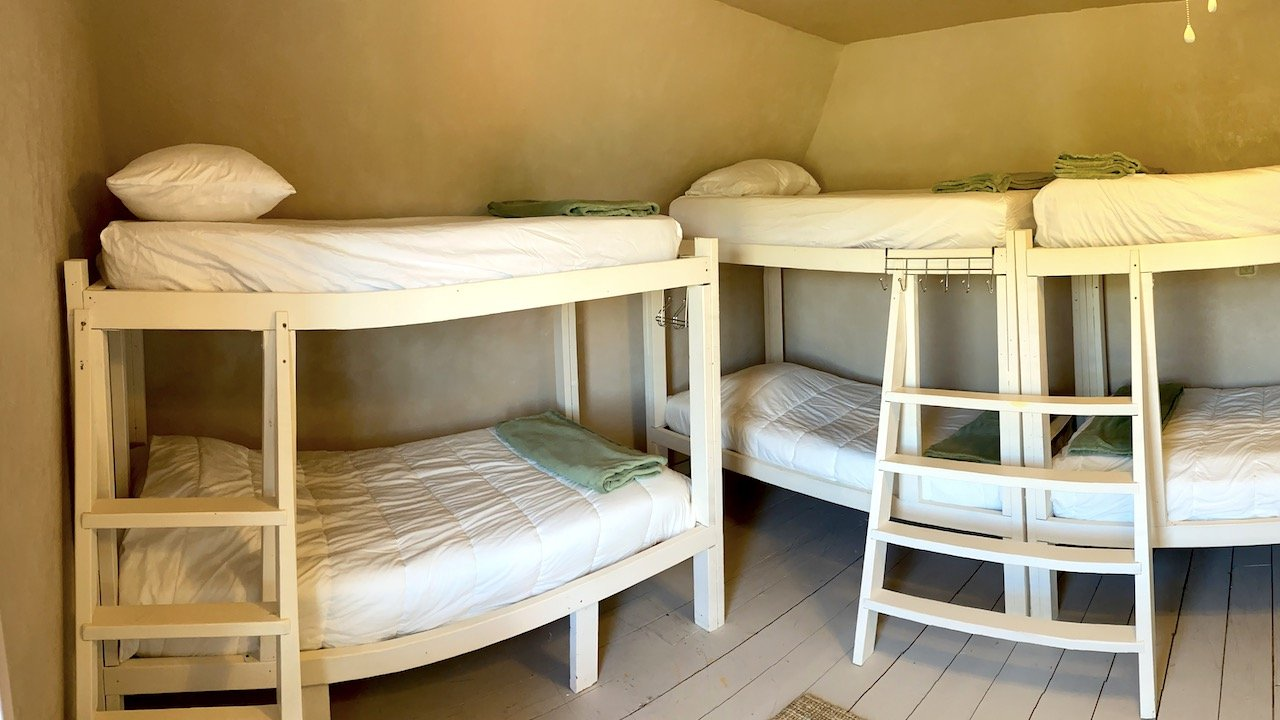 Women's Bunkhouse Corner Beds